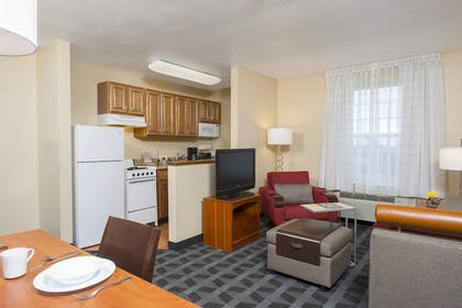 Guestroom   TownePlace Suites by Marriott Indianapolis Park 100