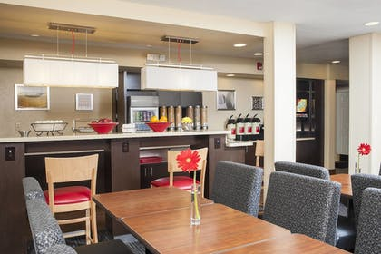 Restaurant | TownePlace Suites by Marriott Indianapolis Park 100