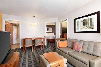 Guestroom | TownePlace Suites Gaithersburg by Marriott