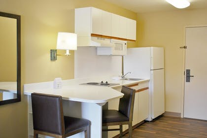 In-Room Kitchen   Extended Stay America - Chicago - Lombard - Oakbrook