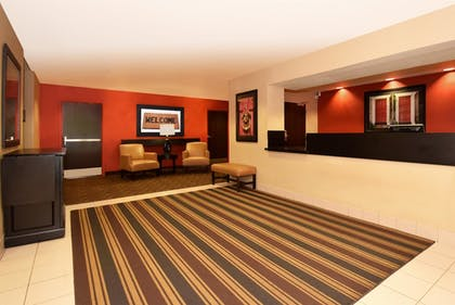 Lobby   Extended Stay America - Chicago - Lombard - Oakbrook
