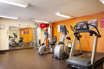 Fitness Facility | Holiday Inn Express And Suites Hayward