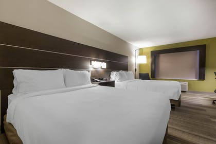 Guestroom | Holiday Inn Express & Suites Chicago West - St Charles