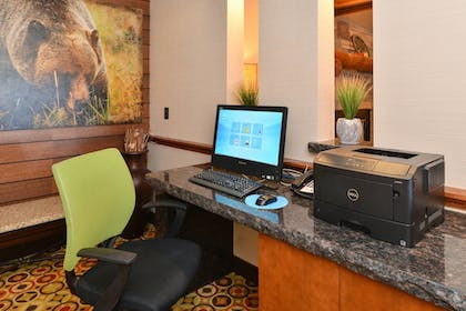Business Center | Fairfield Inn & Suites by Marriott