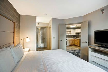 | 1 King Bed 1 Bedroom Suite Non-smoking | Homewood Suites by Hilton Chicago-Downtown