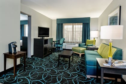Guestroom | Holiday Inn Express Hotel & Suites Fort Worth Southwest I-20