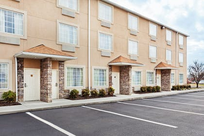 Exterior | Holiday Inn Express & Suites Alcoa (Knoxville Airport)