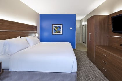 Guestroom | Holiday Inn Express & Suites Alcoa (Knoxville Airport)