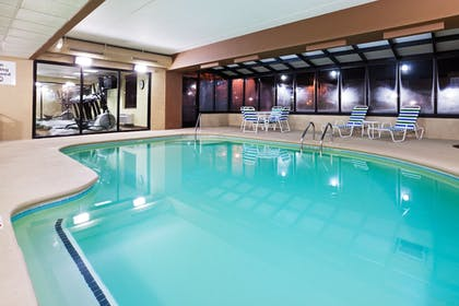 Pool | Holiday Inn Express & Suites Alcoa (Knoxville Airport)