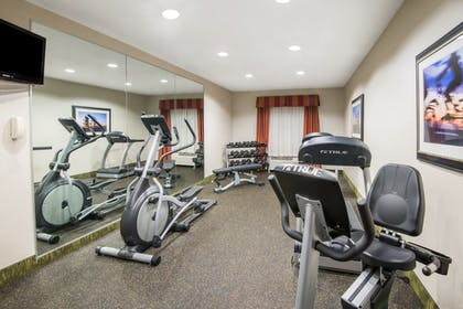 Fitness Facility | Holiday Inn Express Cleveland Airport - Brookpark