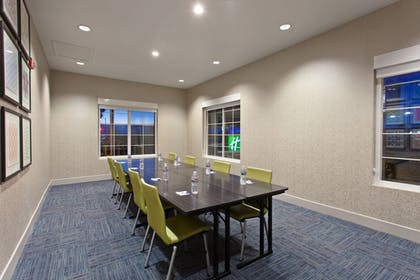Meeting Facility | Holiday Inn Express Hotel & Suites Oakland-Airport