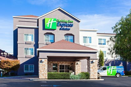 Featured Image | Holiday Inn Express Hotel & Suites Oakland-Airport