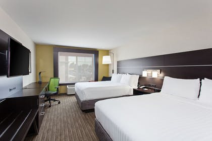 Guestroom | Holiday Inn Express Hotel & Suites Oakland-Airport