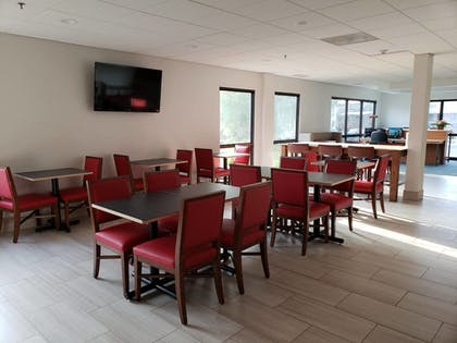 Restaurant | Holiday Inn Express Edgewood-Aberdeen-Bel Air