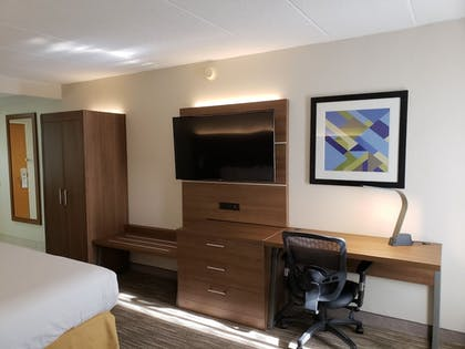 Guestroom | Holiday Inn Express Edgewood-Aberdeen-Bel Air