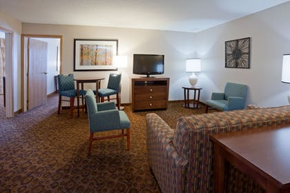 Guestroom | Holiday Inn Express Hotel & Suites St. Cloud