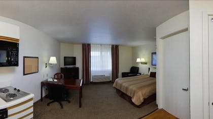Living Area | Candlewood Suites Oklahoma City
