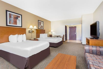 Guestroom | Days Inn by Wyndham Phenix City Near Fort Benning