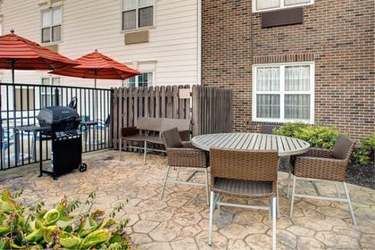 Exterior | Towneplace Suites By Marriott Cleveland Airport
