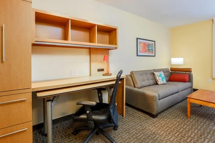 Guestroom | TownePlace Suites by Marriott College Station