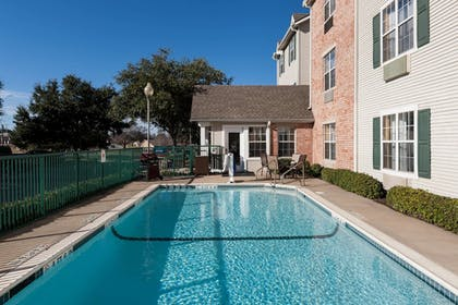 Outdoor Pool | TownePlace Suites by Marriott College Station