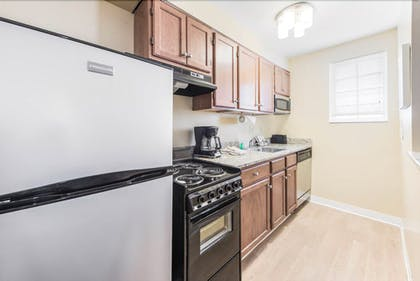 Private Kitchen | MainStay Suites