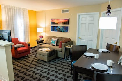 Guestroom | TownePlace Suites by Marriott Houston NASA/Clear Lake