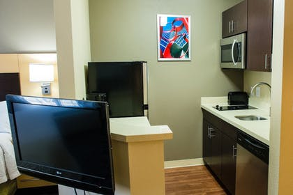 In-Room Kitchen | TownePlace Suites by Marriott Houston NASA/Clear Lake