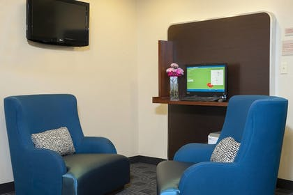 Hotel Bar | TownePlace Suites Indianapolis Keystone