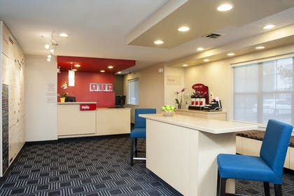 Lobby | TownePlace Suites Indianapolis Keystone