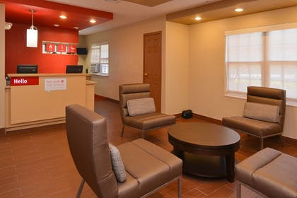 Lobby | TownePlace Suites By Marriott Miami Lakes