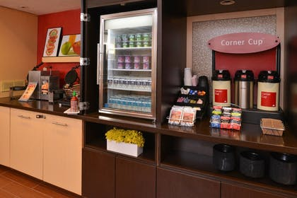 Restaurant | TownePlace Suites By Marriott Miami Lakes