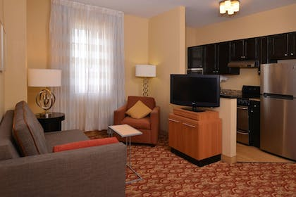 Living Area | TownePlace Suites By Marriott Miami Lakes
