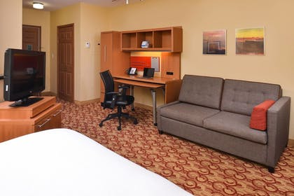 Guestroom | TownePlace Suites By Marriott Miami Lakes