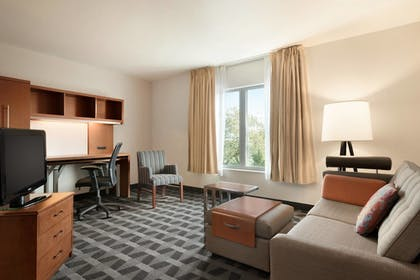Living Area | Towneplace Suites by Marriott Boca Raton
