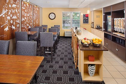 Restaurant | Towneplace Suites by Marriott Horsham
