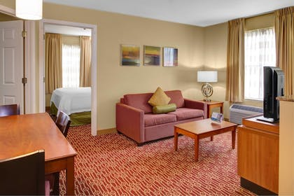 Guestroom | Towneplace Suites By Marriott Findlay