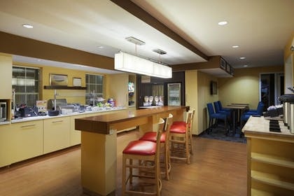 Restaurant | TownePlace Suites by Marriott Tampa North/I-75 Fletcher