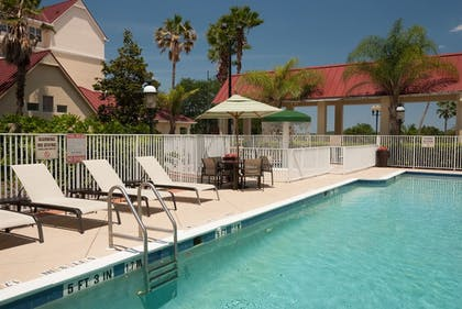 Outdoor Pool | SpringHill Suites by Marriott Convention Center/I-drive