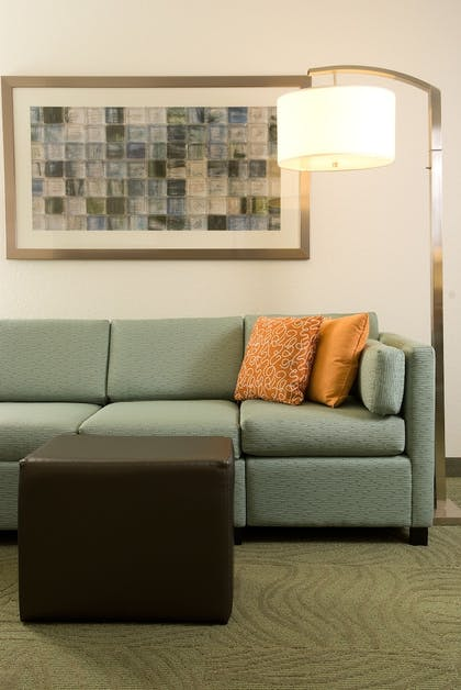 Living Area | SpringHill Suites by Marriott Convention Center/I-drive