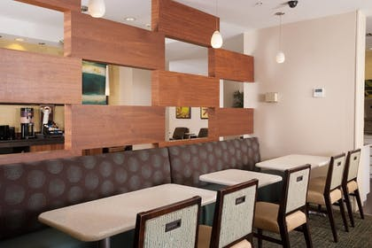 Restaurant | SpringHill Suites by Marriott Convention Center/I-drive