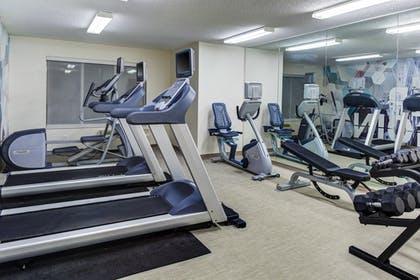 Sports Facility | Springhill Suites Memphis East / Galleria