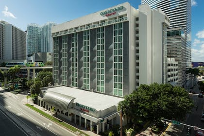 Exterior | Courtyard by Marriott Miami Downtown