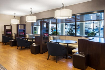 Cafe | Courtyard by Marriott Miami Downtown