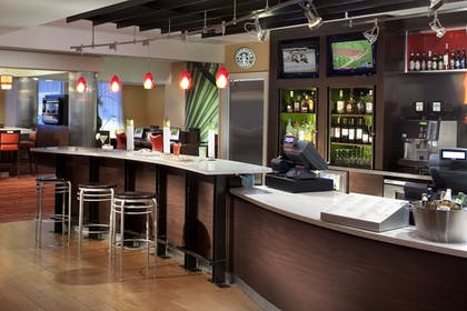 Hotel Bar | Courtyard by Marriott Miami Downtown