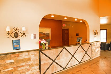 Lobby | Best Western Sunset Inn