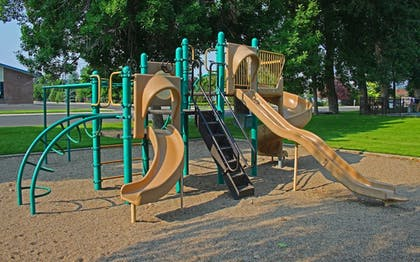 Childrens Play Area - Outdoor | Best Western Sunset Inn