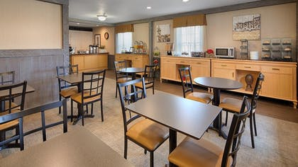 Breakfast Area | Best Western Westfield Inn