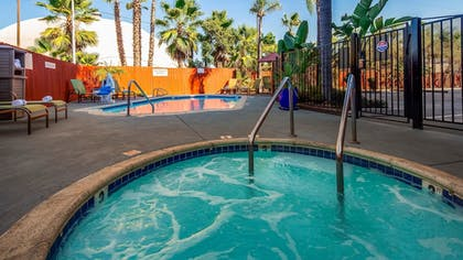 Outdoor Pool | Best Western Plus La Mesa San Diego