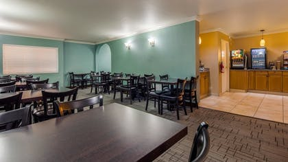 Breakfast Area | Best Western Plus La Mesa San Diego